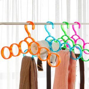 scraf hanger