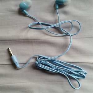 earphones-bluee